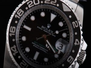 Rolex-GMT-Master-Black-Ceramic-Bezel-And-Black-Dial-Small-Calend-13_1