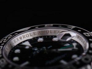 Rolex-GMT-Master-Black-Ceramic-Bezel-And-Black-Dial-Small-Calend-13_3