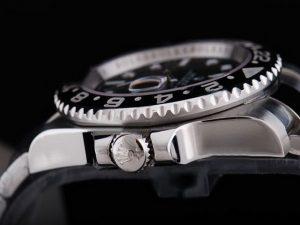 Rolex-GMT-Master-Black-Ceramic-Bezel-And-Black-Dial-Small-Calend-13_4